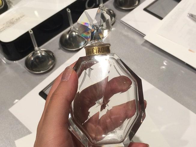 バカラ製 ヨーロッパ向けの香水ボトル